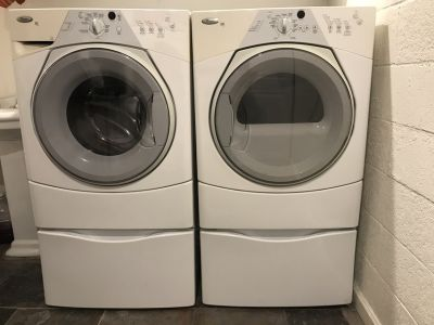GE front load washer/dryer with pedestals