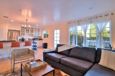 $5490 2 apartment in West Los Angeles
