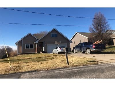 4 Bed 3.5 Bath Preforeclosure Property in Plattsmouth, NE 68048 - Forest Ln