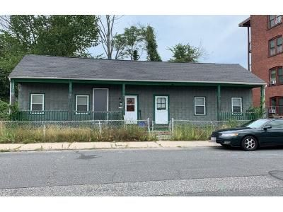 4 Bed 1.0 Bath Preforeclosure Property in Springfield, MA 01109 - Tyler St