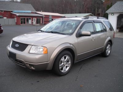 2005 Ford FreeStyle SEL (Gold)