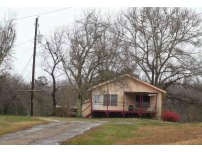 3 Bed 2 Bath Foreclosure Property in Gadsden, AL 35904 - Lay Springs Rd