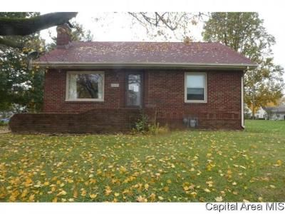 3 Bed 1 Bath Foreclosure Property in Decatur, IL 62526 - W Center St