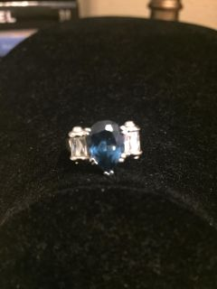Boutique ring - Size 6