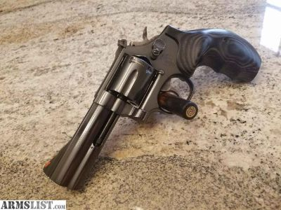 For Sale: Smith & Wesson 586 4 Rare Round Butt