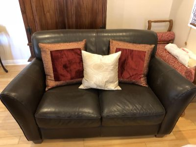 Beautiful Italian Leather Loveseat - Sofa - Couch