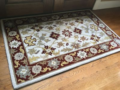 Gorgeous 5.5 X 3.5 100% Wool Rug!