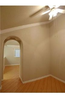 Very Spacious 2 bedroom. s. 2 Baths. Loft. Den withBalcony & Vaulted Ceiling Upper floor - Buckingh