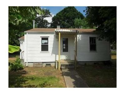 2 Bed 1 Bath Foreclosure Property in Johnson City, TN 37601 - Louise St