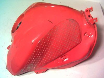 Buy 04 YAMAHA R1 R 1 YZF 1000 FUEL TANK GAS TANK YZF DENTED YZF1000 BODY TANK FUEL T motorcycle in Broomfield, Colorado, US, for US $74.99