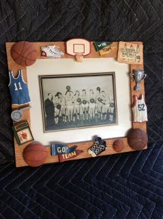 NEW BEAUTIFUL BASKETBALL PICTURE FRAME