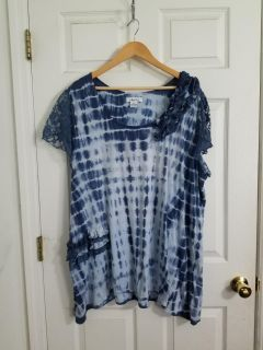 Cute Blue & White Adobe Star Tie Dye Top Size 3X. Excellent Condition