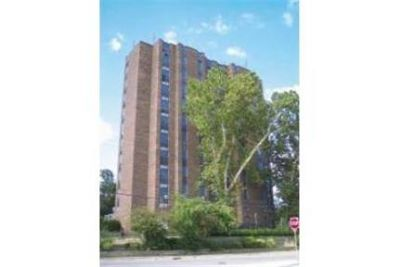 1505 On The Avenue Apartments