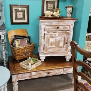 Wood coffee Table Plus End Table. Beautiful Set! Both together for $175 + Tax