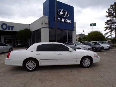 Used 2005 Lincoln Town Car 4dr Sdn