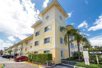 Hot community close to Fort Lauderdale downtown and business center.