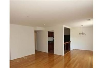 Spacious, newly renovated 1 bedroom apartment on the top floor!