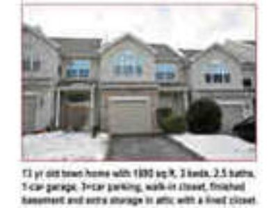 1680 Three BR Beautiful Townhouse 1880 Sq Ft 1 Car Garage