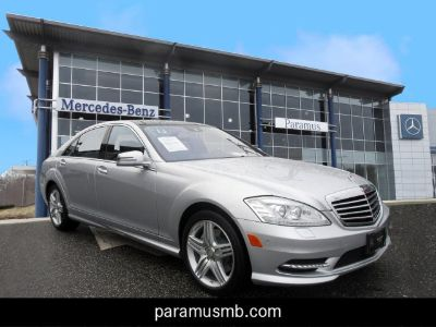 2013 Mercedes-Benz S-Class S550 4MATIC (Iridium Silver Metallic)