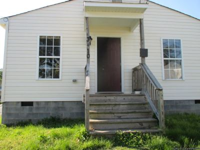 3 Bedroom, 2 Full Bathrooms House For Rent