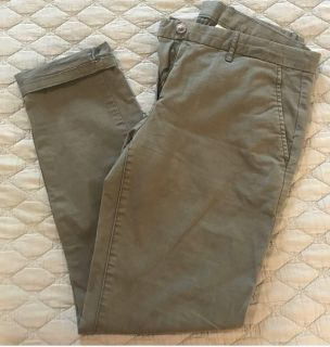 2 pairs of gap pants size 4