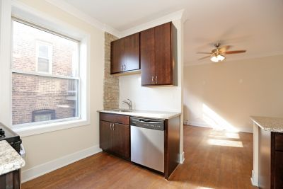 A Must See Condo Quality 2 bed with Dishwasher, Gleaming Hardwood Floors, HEAT INCLUDED!