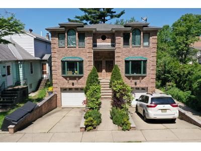 6 Bed 4 Bath Foreclosure Property in Palisades Park, NJ 07650 - 5th St