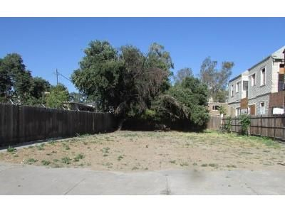 8 Bed 4.0 Bath Foreclosure Property in Stockton, CA 95202 - N Hunter St