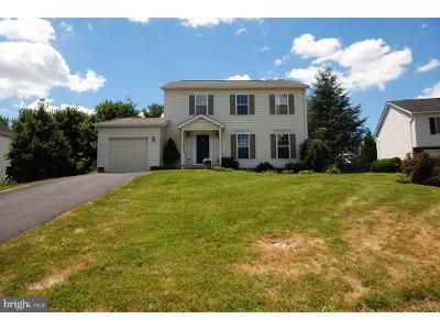 3 Bed 3 Bath Foreclosure Property in Winchester, VA 22602 - Camden Dr