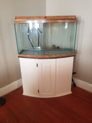 36 gallon bow aquarium with light and stand