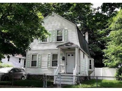 3 Bed 1 Bath Foreclosure Property in South Weymouth, MA 02190 - May Ter