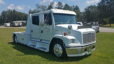 2002 Freightliner Sportchassis -Toterhome trade?