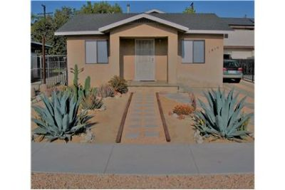 $2,950 HOUSE IN HIP AND URBAN OASIS NEIGHBORHOOD