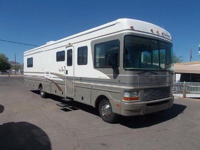 $24,900, Fleetwood Bounder Slide Out Gas Class A Motor Home low MILES 1895