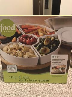 Food network serving tray with lazy Susan