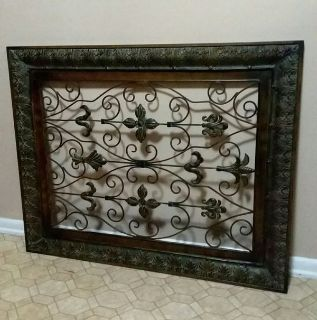 HUGE/ METAL WALL DECOR.......EXCELLENT CONDITION