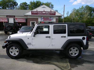 2016 Jeep Wrangler Unlimited 4WD 4dr Sport (Bright White Clearcoat)