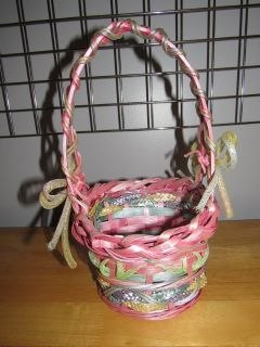 Very Pretty Wicker Easter Basket~Reduced