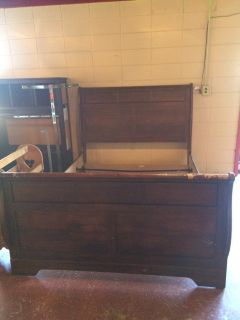 Queen Size Sleigh Bed With Slats