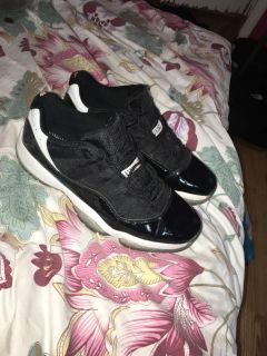 11s, size 9