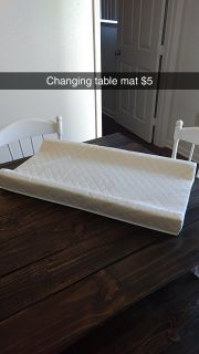 Changing table mat