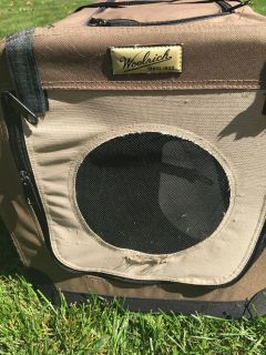 Dog traveler Woolrick all zippers work for medium or small dog 24x14x17 h