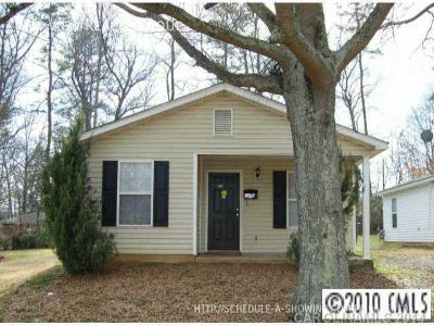 Single-family home Rental - 1636 Finchley Dr