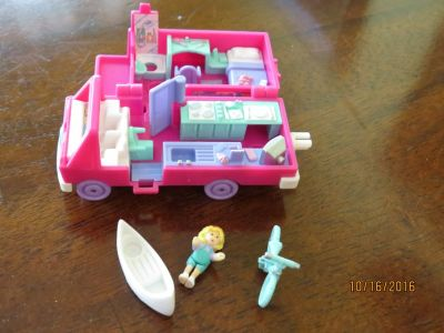 "*Wanted* Vintage Polly Pockets 1"" dolls & Compacts or 1"" Dolls"