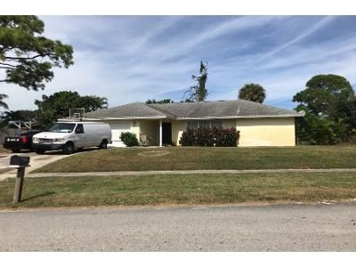 3 Bed 2.0 Bath Preforeclosure Property in West Palm Beach, FL 33407 - Canterbury Dr S