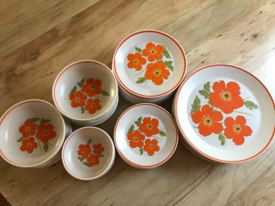 31 pieces of Temperware by Lenox Fire Flower, 1970s