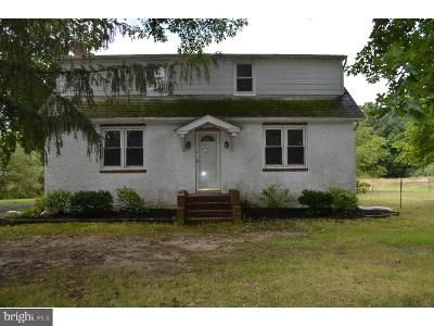 4 Bed 2.5 Bath Foreclosure Property in Williamstown, NJ 08094 - S Black Horse Pike