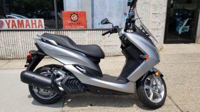 2017 Yamaha SMAX 250 - 500cc Scooters Mineola, NY