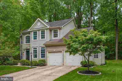 5429 Wooded Way COLUMBIA Four BR, You really can have it all in