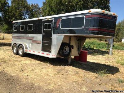 1999 Silver Star 3 horse trailer gooseneck